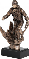 Trofeu Statueta Pompier in Flacari cu Furtun Personalizat din Rasina 26 cm inaltime Cupe, trofee si medalii