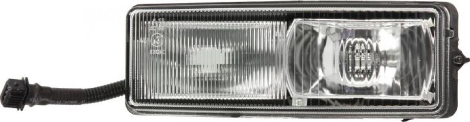 Proiector ceata dreapta H1/H3 24V DAF 75 CF 95 XF CF 65 CF 75 CF 85 LF 45 LF 55 XF 95 dupa 1997