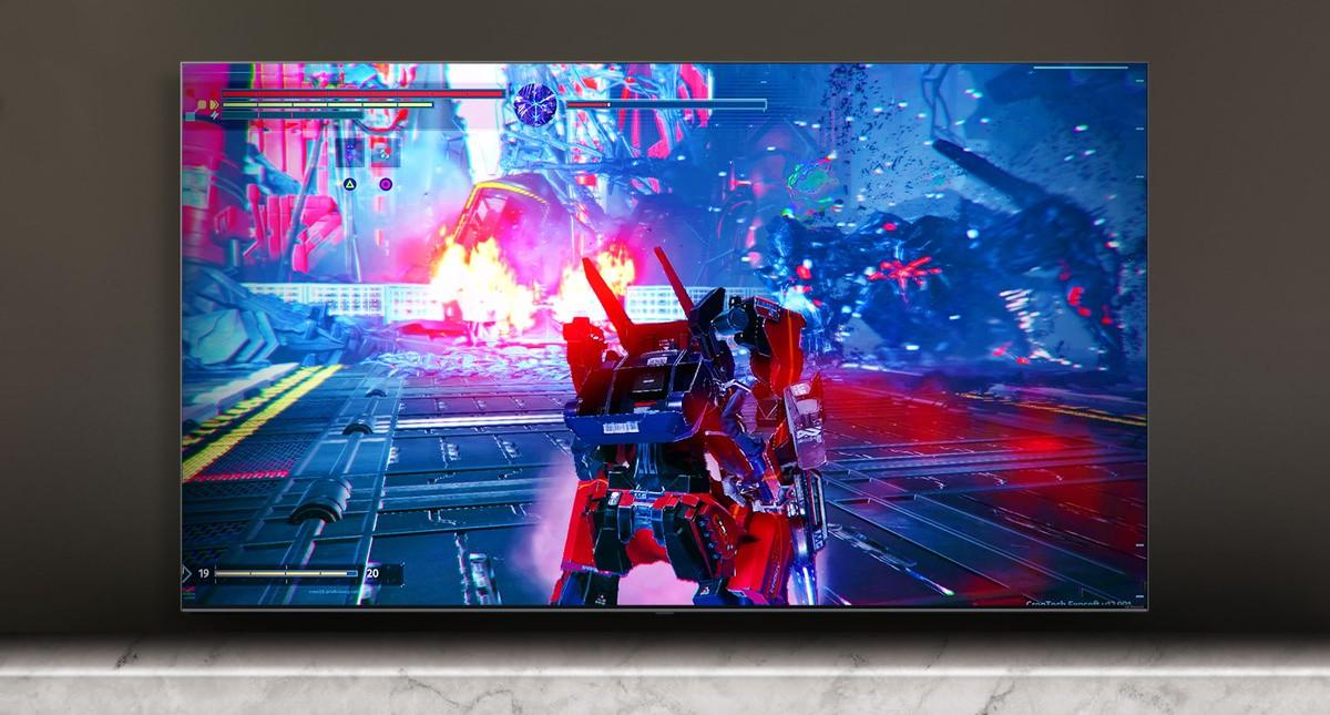 Zaslon televizora na kojem se prikazuje scena borilačke igre.