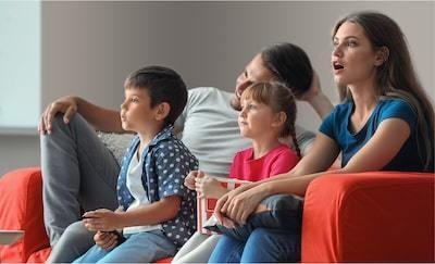 O familie se bucură de filme